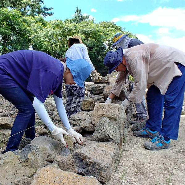 제주 돌, 흑룡만리로 살아나다
