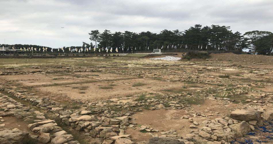 현재 발굴 작업 중인 항파두리내성터
